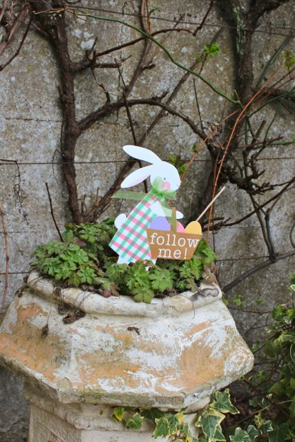egg hunt sign in chimney pot