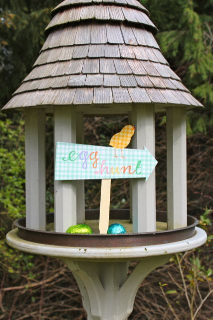 egg hunt sign on bird table