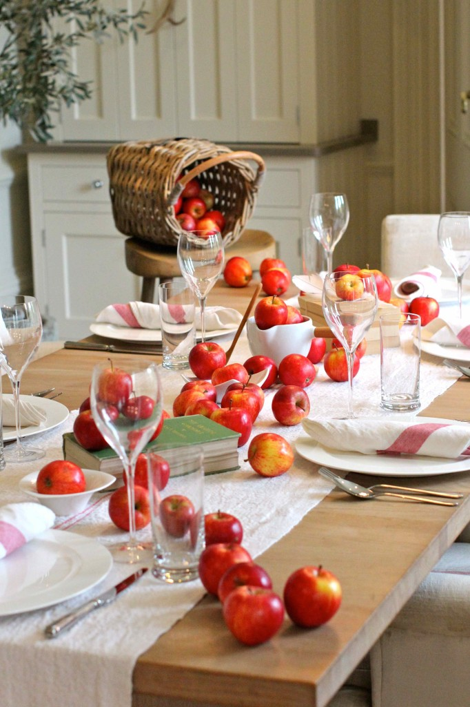 Red apple seasonal tablescape