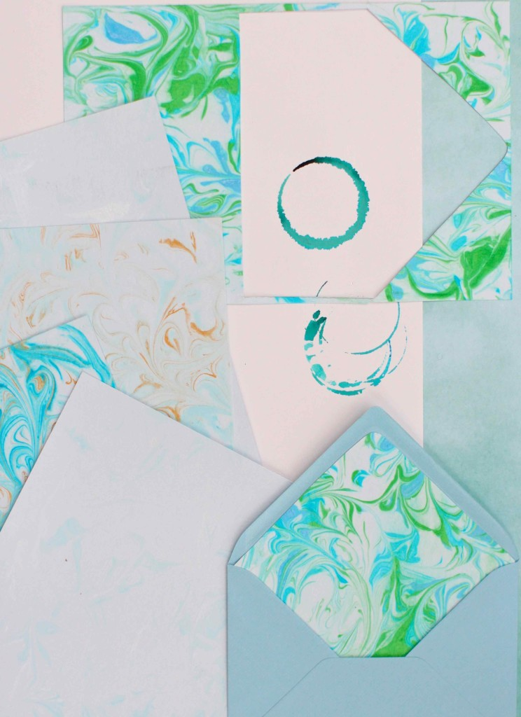 DIy marbled paper from KatesCreativeSpace