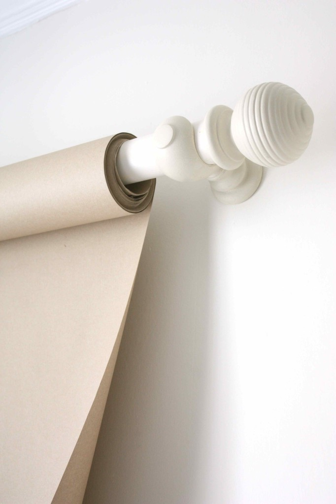 Wall-mounted drawing paper roll